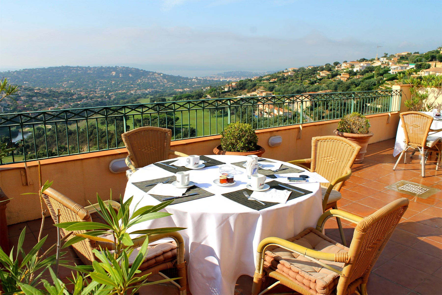 Restaurants Hotel Amarante Golf Plaza French Riviera